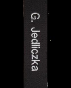 Direktbestickung Name auf Gürtel sticken Schriftstil Helvetika in Groß-Kleinschreibung