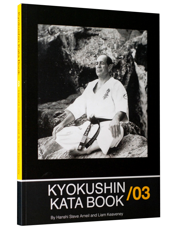 Buch, Kyokushin Kata Book 03 Hanshi S. Arneil amd L. Keaveney, english